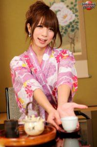 YukoMomohi4.hiro.smj.aj025