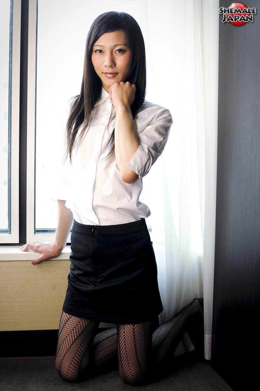 pimpandhost.com imagesize:956x1440 s@@@1 出典 shemale-japan.info